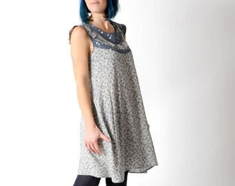 Grey floral dress, Grey womens summer dress with small floral print and patchwork neckline, Grey floral tent dress, size FR40 / UK 12