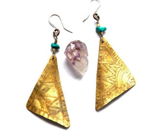 Etched Tribal Mixed Metal Triangle Earrings (E1267)