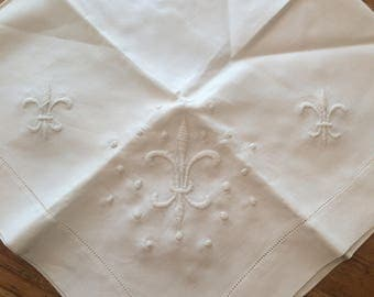 "Embroidered Vintage Tablecloth 30"" square"