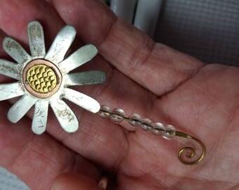 Sweet Vintage Metal SunFlower Pin Brooch