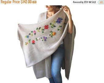 20% WINTER SALE NEW! Beige Pelerine - Poncho with Flowers by Afra