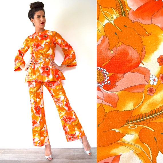 Vintage 60s 70s Fiery Orange and Coral Red Floral Print Glitter Lurex Bell Sleeve Tunic and High Waisted Pants 2 Piece Set (size small)