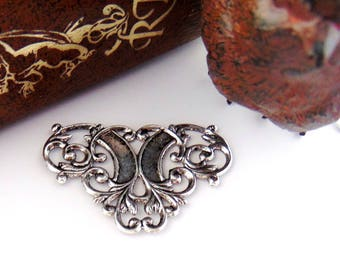 ANTIQUE SILVER (3 Pieces) FLOURISH Scroll Connector Scroll Stamping ~ Jewelry Ornament Antique Silver Findings (D-824)