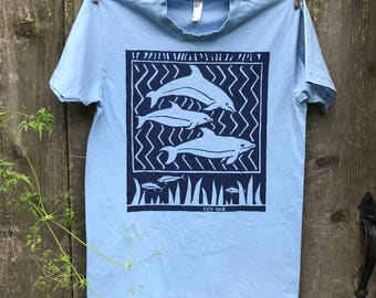 Zig Zag Blue Dolphins Unisex Adult Short Sleeve Tee