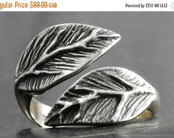 CLOSING SALE Leaf ring in sterling silver - Available in various adjustable sizes - elf pixie tribal boho