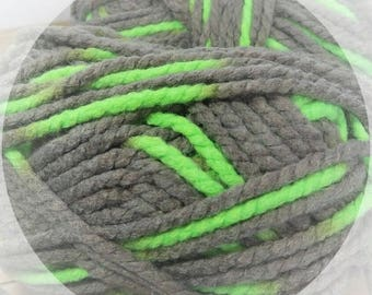Chunky Knitting Yarn Lion Brand Wool Ease Thick and Quick Super Bulky/Chunky Yarn Parakeet 2 Skeins Available FIber Arts Yarn Destash