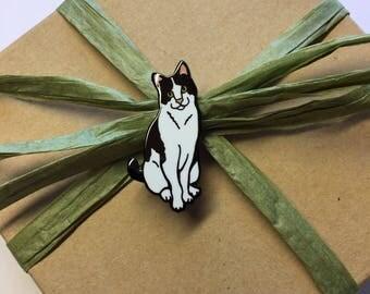 Fizzgig the Cat enamel pin