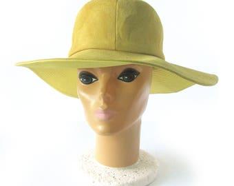 60 70s Vintage Mod Floppy Suede Hat / YELLOW SUEDE Wide Brim Hat / Fedora / Hippie Chic / Boho Festival Style  / Deborah / Size 22 Small