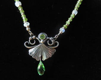 Sterling Silver Brutalist Ginkgo and Peridot Necklace