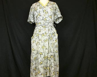 ON SALE Vintage White Yellow Gray Black Floral Print Day Dress Misses M 40s