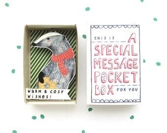 Gezellige Badger - speciale zak het berichtvenster - warm & gezellig wenst! -troost of cheer up vak - stockingstuffer - vakantie cadeau