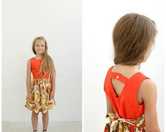 ANNIVERSARY SALE 1950s Abstract Fruit Dress /// Size 5t to 6