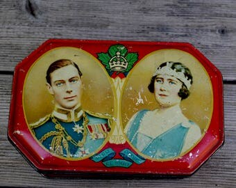 Antique Harry Vincent Ltd Tin King and Queen England 1939