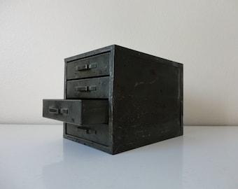 VINTAGE 4 drawer green METAL storage BOX - jewelry finding storage - office supply storage - hardware storage