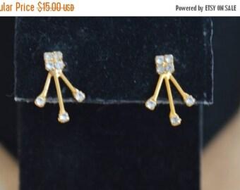 On sale Delicate Vintage Rhinestone Spray Pierced Earrings, Gold tone (T4)