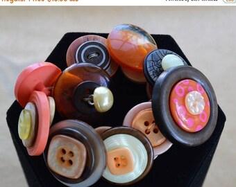 On sale Button Bracelet, Coral, Orange, Brown, Beige, Elastic, Vintage (P6)