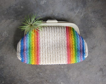 1960s Rainbow Pride Clutch Woven Fabric Handbag Purse Modern Minimal Clutch Plastic Clasp Hand Bag Retro Resort Purse Rainbow Stripes GS