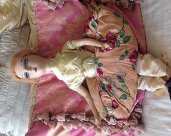 1 1920's Boudoir Doll