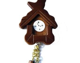 * Collar * a cuckoo clock necklace