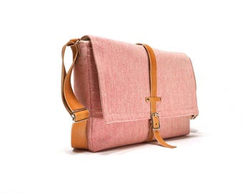 Laptop messenger bag - coral