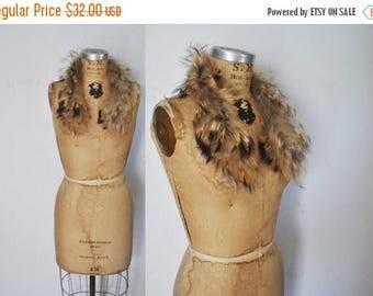 SALE FEATHERED Raccoon Fur Collar / genuine fur