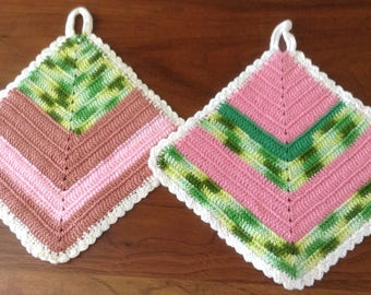 Colourful, reversible diamond shaped pot holders, mats, Zig Zag pattern