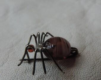 spider pin glass bead body