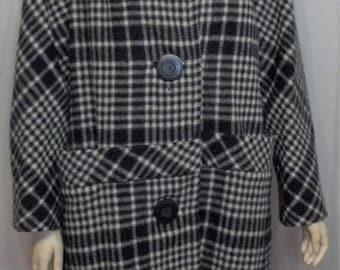 SUMMER SALE Vintage 1960's Women's Black White Plaid Wool Fox Fur Collar Swing Coat Large