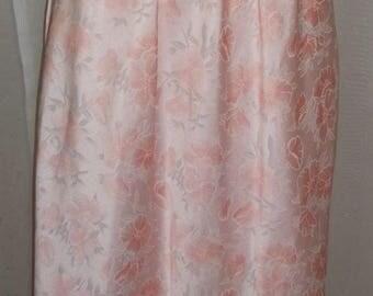 ON SALE Vintage Lily of France Peach Hibiscus Floral Half Slip Medium