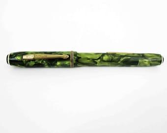 Vintage Wearever Green Celluloid Fountain Pen. Circa 1940's.