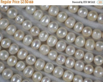 ON SALE 12 Pearls Cream White Potato Freshwater Side Drilled (4284 -12)