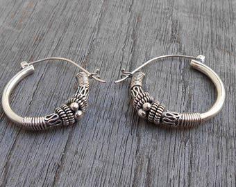 Balinese Silver sterling hoop Earrings / silver 925 / Bali handmade granulation technique / 1.25 inch height / (#785m)