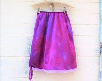 Small Lavender Skirt/Tie Dye Skirt/RaspBerry Vintage Skirt/Upcycled Clothing/Hippie Tie Dye Skirt/Tie Dye Lace Skirt/Slip Skirt/French Fairy
