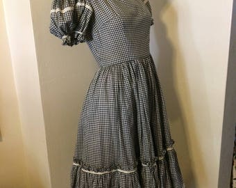 Vintage 60s Black and White Gingham check Ruffel Full skirt Rockabilly ladies Dress Size x small