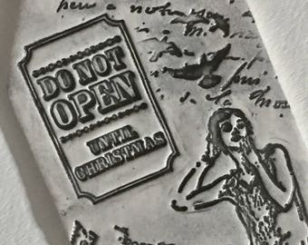 Do Not Open Until Christmas - Tag Style Ceramic Wall Hanging - Ornament - Keepsake - Gift Tag