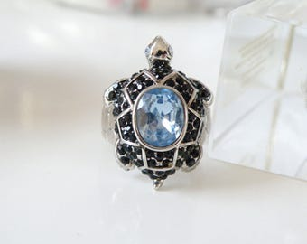 Vintage Chunky Designer Silver Rhodium Blue Topaz Sapphire Tortoise Turtle Cluster Cocktail Ring with Pebble Design