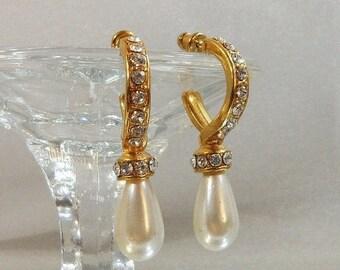 SALE Vintage Rhinestone Earrings. Faux Pearl Teardrops. Wedding. Bride.