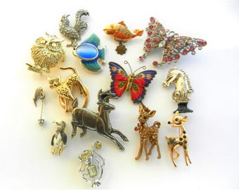 Very Nice collection of figural animals brooches/Dress Clips/Pins/Pendant/Buckle -1950s/1960s  original - 14 Pieces Some signed -art.318-