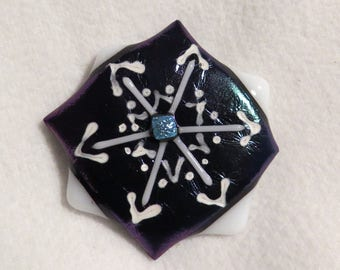 Fused glass snowflake refrigerator magnet. Iridescent background, dichoic glass center, unique gift, useful attractive kitchen decor