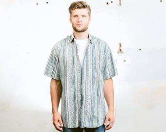 Men's Summer Pattern Shirt . Striped Blue Vintage 90s Beach Shirt Short Sleeve Button Down Shirt Geometric Print Shirt . size Medium
