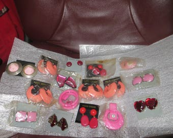 vintage collection   retro  lot   of 16 pair of 1980s Fashion  pierced  earrings    never worn