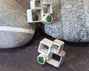 Silver block earrings set with green Tourmaline. Cube earrings, block studs, cube studs, tourmaline studs, tourmaline earrings, square studs