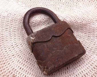 Old Vintage Rusty Padlock, Without Key, Salvaged Hardware, Man Cave, Vintage Decor