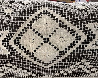 Large Vintage Cream Netted Mondano Tatted Crochet Art Deco Tablecloth Bed Cover