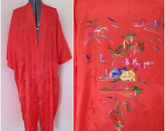 Vintage Red Hand Embroidered Chinese Robe - Size XL