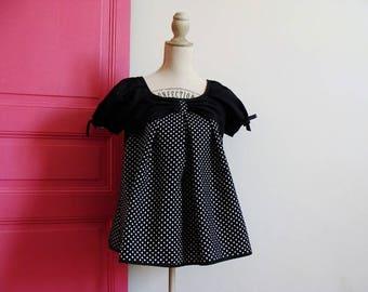 RETRO black TOP has white polka dots
