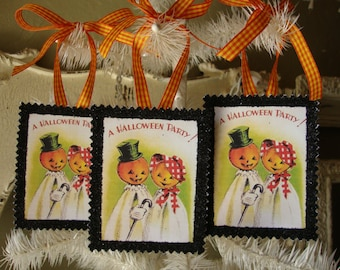 Vintage Halloween ornaments cute pumpkins gift wrap tags Halloween party favor tag Halloween decor glittered halloween gifts card scrap tags