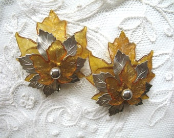 Vintage Earrings ~ Lucite & Brass Leaves ~ Clip On ~ Taupe