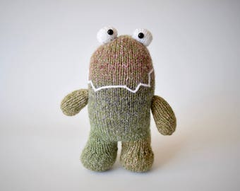 Happy monsters toy knitting pattern