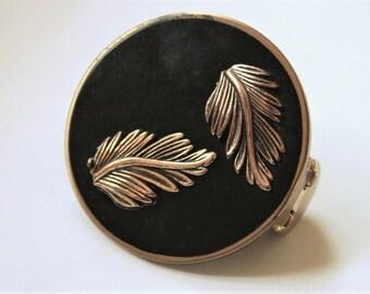 Vintage lipstick holder.  Black and gold lipstick holder.  Vintage vanity accessories